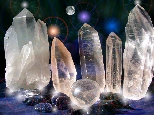 PETITE HISTOIRE DE LA LITHOTHÉRAPIE Crystal3